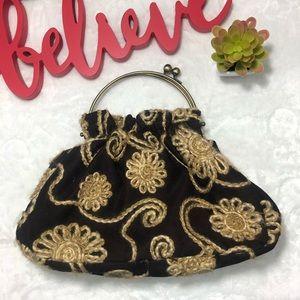 Handbags - Cute vintage embroidered bag